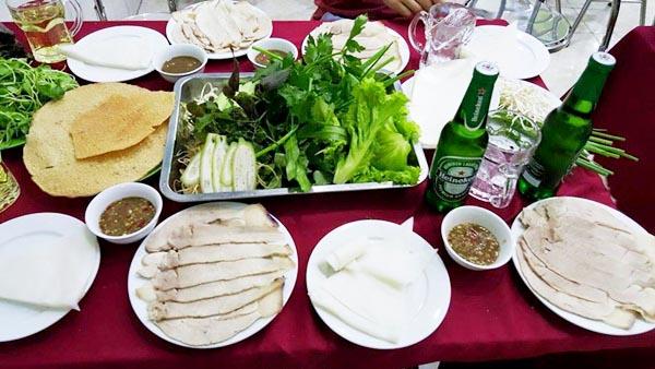 Bánh tráng cuốn thịt heo món ăn Đà Nẵng nổi tiếng