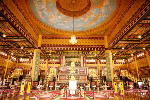 Đền thờ khu du lịch Đại Nam