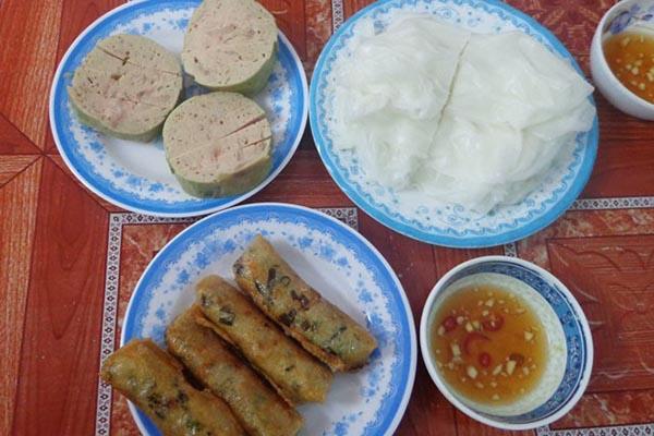 Ram bánh mướt món ăn Hà Tĩnh đặc trưng