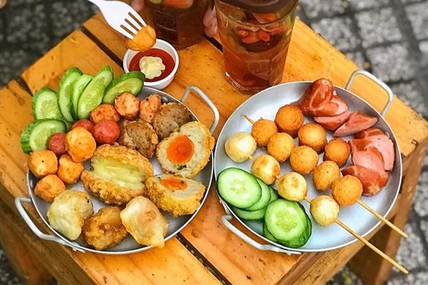 Top 12 món ăn vặt đường phố Sài Gòn