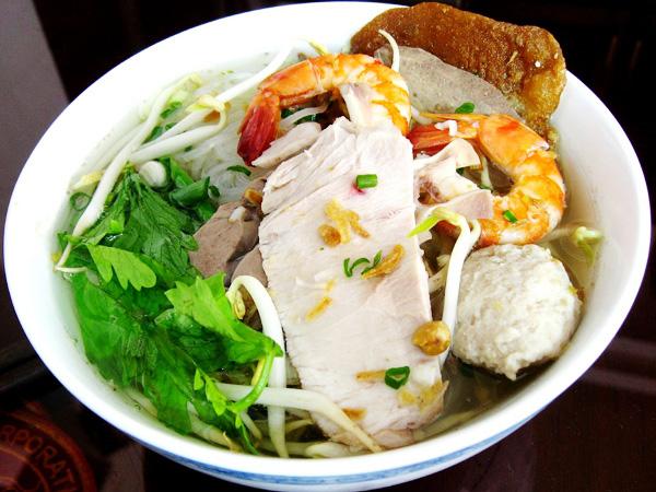 Top 12 món ăn đường phố Sài Gòn nổi tiếng bạn nên thưởng thức