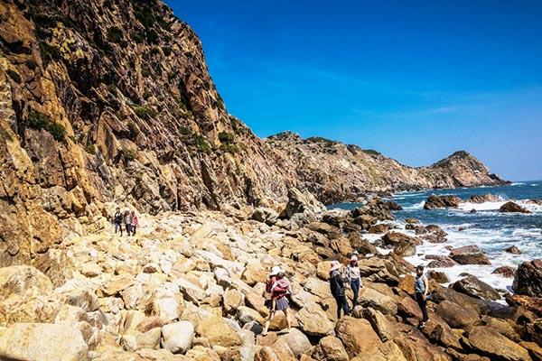 Bãi đá Đẻ ở Eo Gió Quy Nhơn