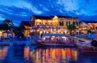 Đi thuyền trên sông Hoài Hội An
